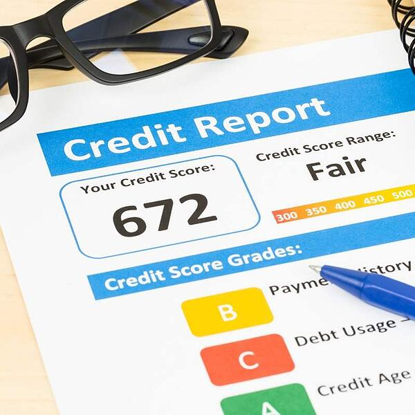 credit report with a low credit score