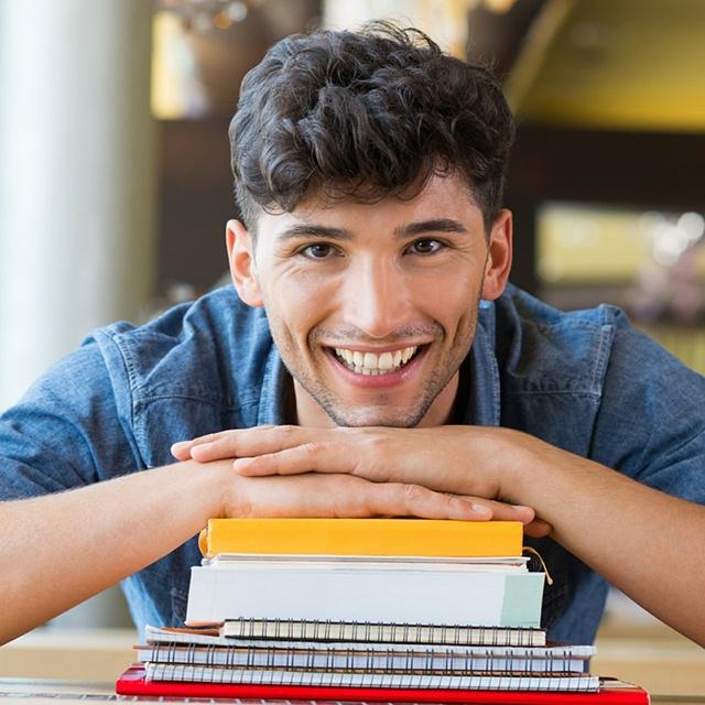 Happy_College_Student