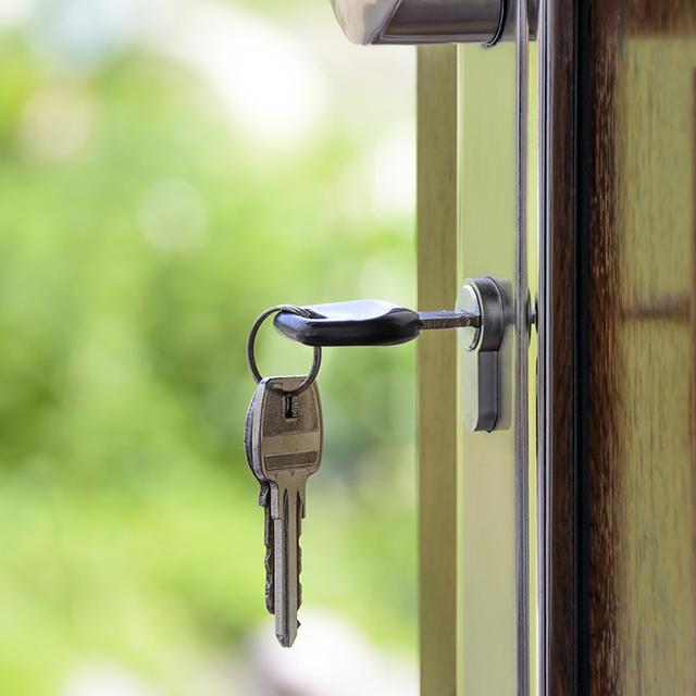 house_keys_in_Lock