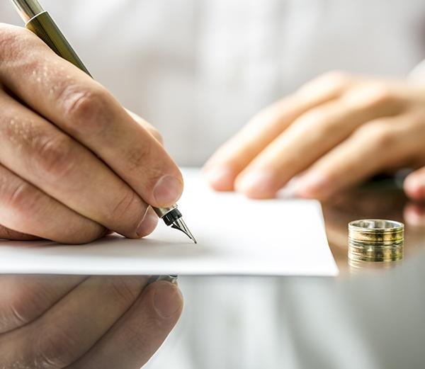 SUM16_article_divorce.jpg