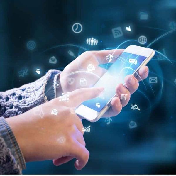 multitasking-social-media