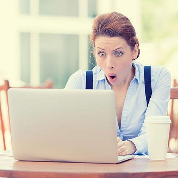 shocked-woman-at-computer-1