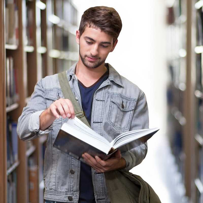 7 Financial Tips for Your College-Bound Student