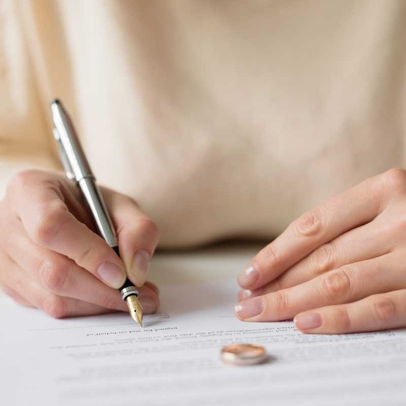 Going Through A Divorce? Don't Change Your Beneficiaries… Yet