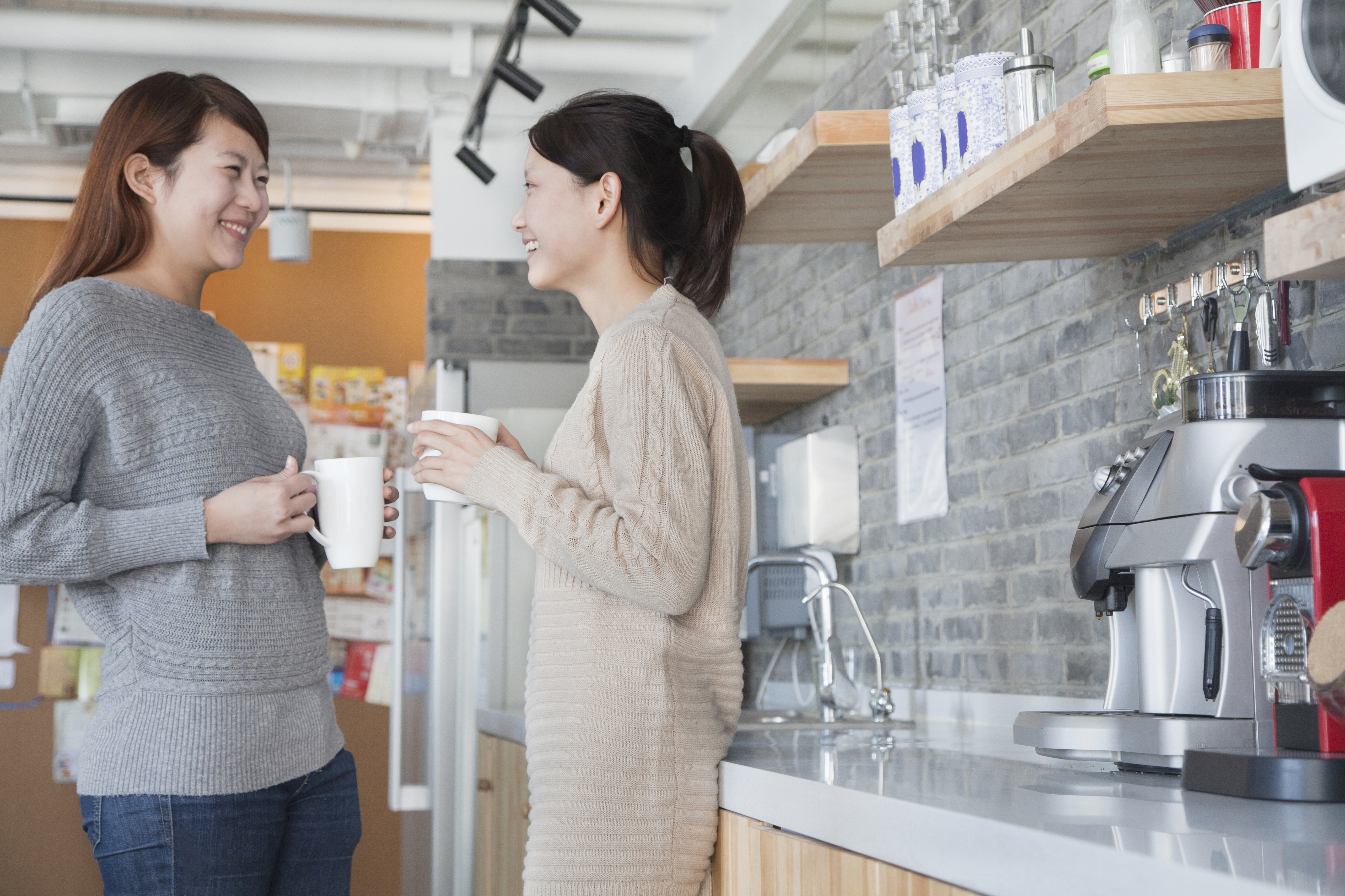 women following office kitchen etiquette
